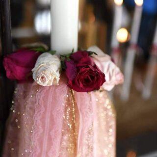 Για το θέμα της βάφτισης, ήθελα κάτι απλό με μια νότα ρομαντισμού. Κι έτσι διάλεξα τα τριαντάφυλλα με αποχρώσεις του ροζ σε συνδυασμό με το χρυσό. @dreamsandlacecy make it happen !!! 🌹🌹🌹